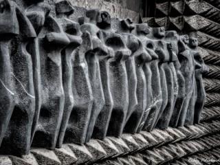 Apóstoles-rodeados-de-espinas