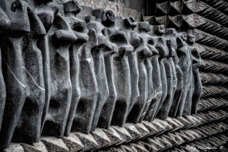 apostoles-rodeados-de-espinas